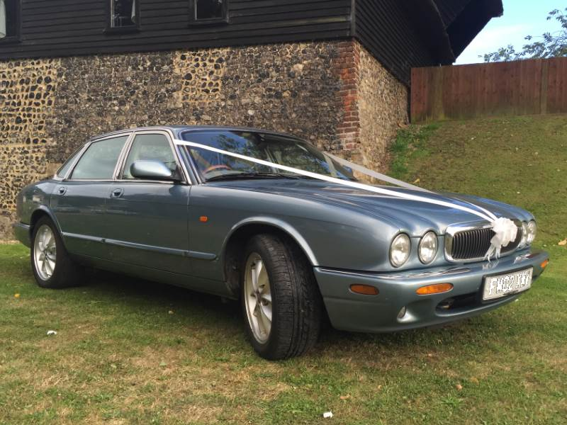 ALEX - Jaguar XJ8 Wedding Car