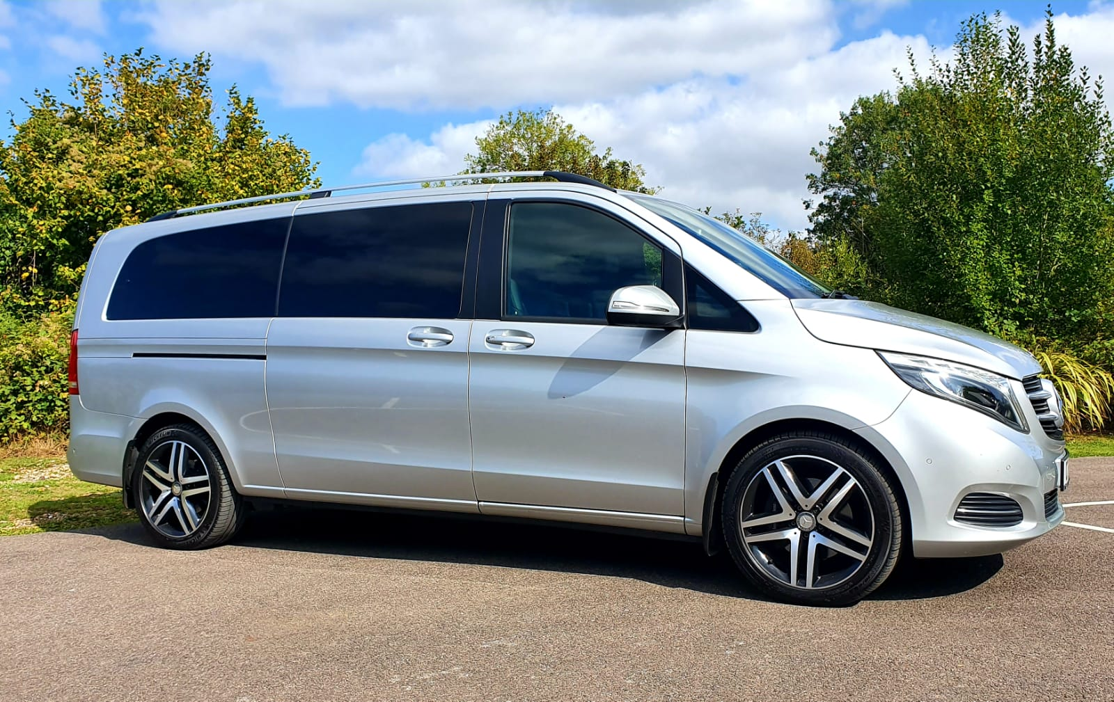 VIANO – Mercedes Viano 6 Seater Wedding Car